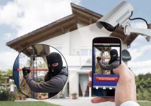 Von unterwegs können Sie per Smartphone können Sie auf ihre Überwachungskamera außen zugreifen.