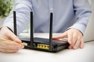 Für eine gute WLAN-Reichweite sollte der Router an einem zentralen Punkt im Haus stehen.